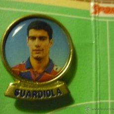 Coleccionismo deportivo: PIN FUTBOL JUGADOR DEL F.C.BARCELONA GUARDIOLA. Lote 39400827