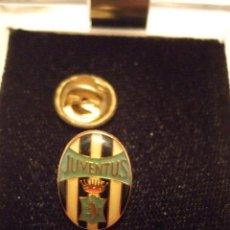 Coleccionismo deportivo: PIN FUTBOL - JUVENTUS DE TURIN. Lote 156098810