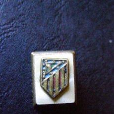 Coleccionismo deportivo: MUY ANTIGUO BOTÓN - ATLETICO DE MADRID -. Lote 41760398