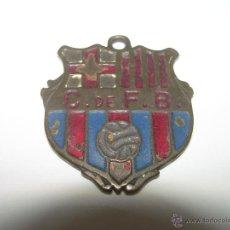 Coleccionismo deportivo: ANTIGUO ESCUDO...CONSERVAS PUIG..........C.F. BARCELONA.. Lote 43596754