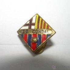 Coleccionismo deportivo: ANTIGUA Y RARA INSIGNIA.....C.D. CONDAL......POSTERIORMENTE...BARCELONA AT.. Lote 43642588