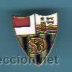 Coleccionismo deportivo: PIN INSIGNIA DE FUTBOL - AGUJA ESCUDO BASURTO - BILBAO. Lote 43644320