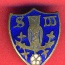 Coleccionismo deportivo: PIN FUTBOL , SHEFFIELD INGLATERRA , ANTIGUO ESMALTE , ORIGINAL , AGUJA , F2. Lote 44175232