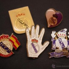Coleccionismo deportivo: LOTE 5 PIN PINS FUTBOL REAL MADRID CF. Lote 45289276