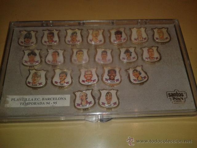 Coleccionismo deportivo: COLECCION COMPLETA DE 20 PINS - PLANTILLA F.C.BARCELONA TEMPORADA 1994-1995 EN CAJA ORIGINAL - Foto 3 - 47979313