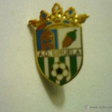 Coleccionismo deportivo: PIN FUTBOL AD SIRUELA. Lote 48831649