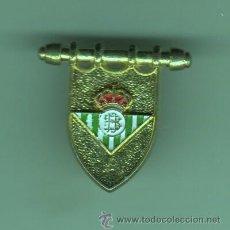 Coleccionismo deportivo: PIN CLIP O PINCHO DE FUTBOL REAL BETIS BALONPIE . Lote 49718004