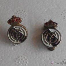 Coleccionismo deportivo: ANTIGUOS PINS INSIGNIAS DE FUTBOL REAL MADRID. Lote 50136454