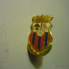 Coleccionismo deportivo: PIN FUTBOL BRENES. Lote 50150714