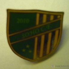 Coleccionismo deportivo: PIN FUTBOL SOHO CF. Lote 50339799