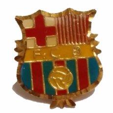 Coleccionismo deportivo: INSIGNIA BARÇA FUTBOL CLUB BARCELONA F.C.B DE ORO 18 K. Lote 50453026