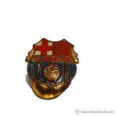 Coleccionismo deportivo: ANTIGUA INSIGNIA PIN C.DE F.B. 1949- F.C. BARCELONA BARÇA. Lote 46921658