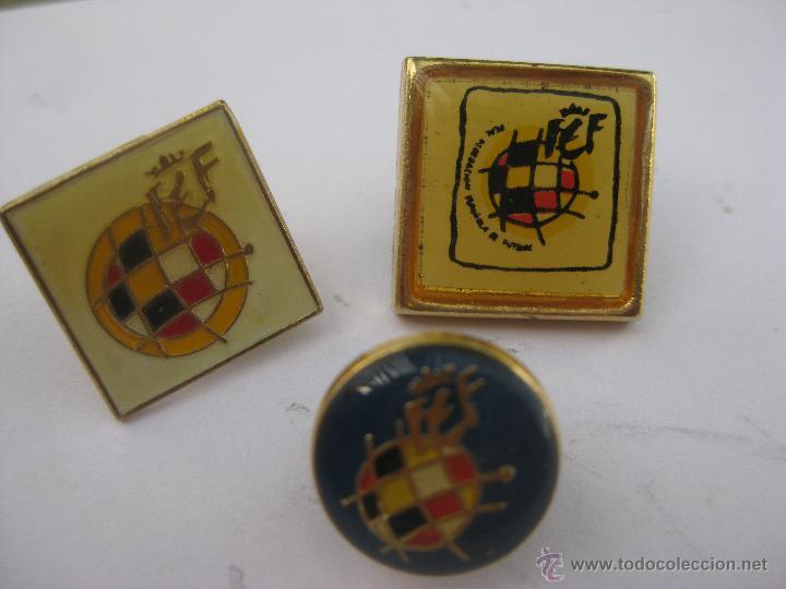 LOTE 3 INSIGNIAS PINS REAL FEDERACION ESPAÑOLA DE FUTBOL (Coleccionismo Deportivo - Pins de Deportes - Fútbol)
