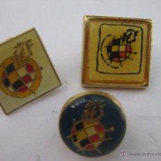 Coleccionismo deportivo: LOTE 3 INSIGNIAS PINS REAL FEDERACION ESPAÑOLA DE FUTBOL. Lote 50864239