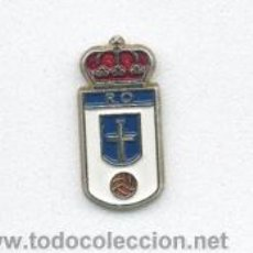 Coleccionismo deportivo: PIN - INSIGNIA DE FÚTBOL. ASTURIANA. REAL OVIEDO (OVIEDO, ASTURIAS). OFICIAL.. Lote 52431374
