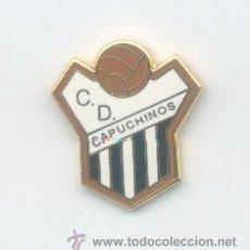 Coleccionismo deportivo: PIN - INSIGNIA DE FÚTBOL. CD CAPUCHINOS (VÉLEZ-MÁLAGA, MÁLAGA). ESMALTADA. Lote 52602838