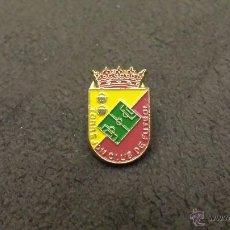 Colecionismo desportivo: PIN ESCUDO EQUIPO TORREJON CLUB FUTBOL (CLUB TOREJON DE ARDOZ COMUNIDAD DE MADRID). Lote 52603062