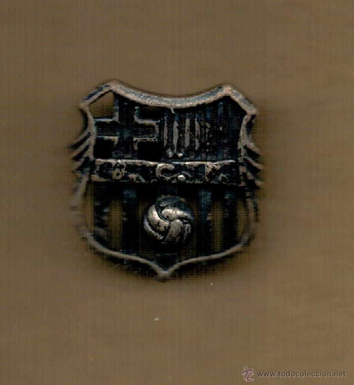 PIN INSIGNIA DE PLATA - F.C. BARCELONA - SIGLAS BCF - (Coleccionismo Deportivo - Pins de Deportes - Fútbol)