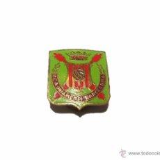Coleccionismo deportivo: ANTIGUA INSIGNIA RCA ORIAMENDI - BARCELONA.. Lote 47611232