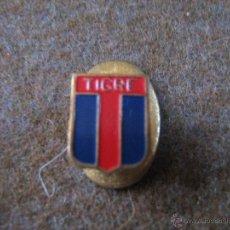 Coleccionismo deportivo: FUTBOL - INSIGNIA DE SOLAPA ESMALTADA - AÑOS 50/60 - CLUB ATLETICO TIGRE - ARGENTINA. Lote 52801585