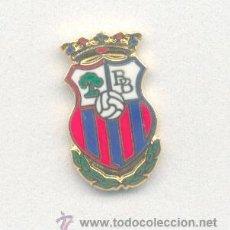 Coleccionismo deportivo: PIN - INSIGNIA DE FÚTBOL. ANDALUCÍA. BRENES BALOMPIÉ (BRENES, SEVILLA). ESMALTADO. Lote 52871093