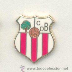 Coleccionismo deportivo: PIN - INSIGNIA DE FÚTBOL. ANDALUCÍA. CD BRENES (BRENES, SEVILLA). ESMALTADO. Lote 109339576