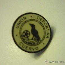 Coleccionismo deportivo: PIN FUTBOL CUERVO UD. Lote 52950414