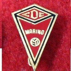 Coleccionismo deportivo: ANTIGUA INSIGNIA DE AGUJA, NO PIN. C D C MARINO CUDILLERO. ASTURIAS.. Lote 52396295