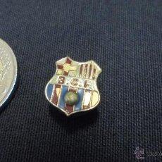 Coleccionismo deportivo: PIN INSIGNIA F.C. BARCELONA - SIGLAS BCF - . Lote 53762995