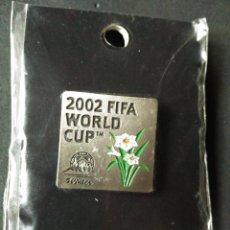 Coleccionismo deportivo: PIN ORIGINAL JAPONES - 2002 FIFA WORLD CUP KOREA JAPAN - MUNDIAL FUTBOL COREA JAPON VER FOTOS. Lote 54559526