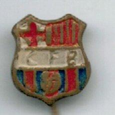 Coleccionismo deportivo: MINI PIN INSIGNIA F.C. BARCELONA - SIGLAS C.F.B. - . Lote 54965167
