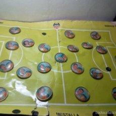 Coleccionismo deportivo: LOTE COLECCIÓN 21 PINS VALENCIA AÑOS 90. Lote 55553239