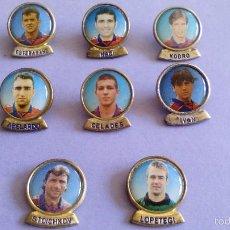 Coleccionismo deportivo: LOTE 8 PINS JUGADORES FÚTBOL CLUB BARCELONA. Lote 56118118