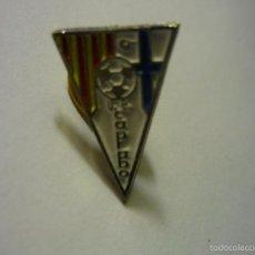 Coleccionismo deportivo: PIN FUTBOL UE CAPRABO-FED-CATALANA. Lote 56296244