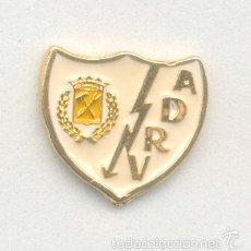 Coleccionismo deportivo: PIN - INSIGNIA DE FÚTBOL. MADRID. AGRUPACIÓN DEPORTIVA RAYO VALLECANO (MADRID).. Lote 56903405