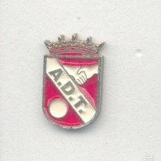 Coleccionismo deportivo: PIN - INSIGNIA DE FÚTBOL. MADRID. AD TORREJÓN (TORREJÓN DE ARDOZ).. Lote 56903574