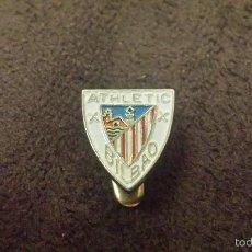 Coleccionismo deportivo: PIN ESCUDO EQUIPO FUTBOL ATHLETIC CLUB BILBAO (CLUB DEL PAIS VASCO INSIGNIA DE OJAL ). Lote 57198228