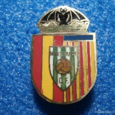 Coleccionismo deportivo: MUY ANTIGUA INSIGNIA DE IMPERDIBLE - MONSERRAT CLUB DE FUTBOL - . Lote 57941164