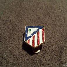 Coleccionismo deportivo: PIN ESCUDO EQUIPO FUTBOL ATLETICO DE MADRID (INSIGNIA OJAL CLUB FEDERACIÓN ESPAÑOLA FUTBOL ). Lote 59792280