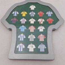 Coleccionismo deportivo: MARCA. COLECCIÓN 20 LLAVEROS CAMISETAS EQUIPOS DE PRIMERA DIVISIÓN 2002 - 2003. Lote 62336620