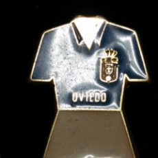 Colecionismo desportivo: PIN INSIGNIA ALFILER EQUIPACION OVIEDO NO DEL FUTBOL CLUB FC BARCELONA F.C BARÇA CF . Lote 63698359