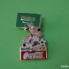 Coleccionismo deportivo: PIN DE FÚTBOL SELECCIÓN DE ARABIA SAUDITA MUNDIAL USA 94 DE COCA COLA LOTE 5. Lote 65854510