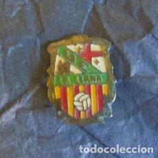 Coleccionismo deportivo: RARO PIN DE FUTBOL - AGUJA - CLUB DE BARCELONA LA LLANA. Lote 66038058