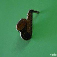 Coleccionismo deportivo: PIN DE SAXOFON LOTE 16. Lote 68297025