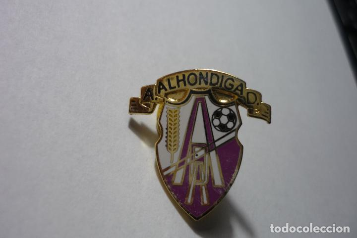 PIN FUTBOL AD ALHONDIGA (Coleccionismo Deportivo - Pins de Deportes - Fútbol)