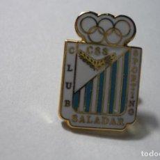 Coleccionismo deportivo: PIN FUTBOL CD SALADAR. Lote 69975381