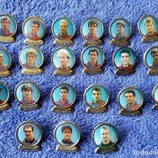 Coleccionismo deportivo: 21 PINS JUGADORES DEL BARCELONA. Lote 73089631