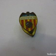 Coleccionismo deportivo: VALENCIA CF. ANTIGUA INSIGNIA DE SOLAPA. Lote 79294633
