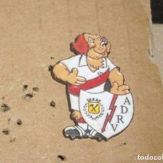 Coleccionismo deportivo: -PIN FUTBOL RAYO VALLECANO -- COLECCION GOLI FUTBOL COLA CAO 1993 --. Lote 85244408