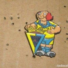 Coleccionismo deportivo: -PIN FUTBOL CADIZ -- COLECCION GOLI FUTBOL COLA CAO 1993 --. Lote 85244588